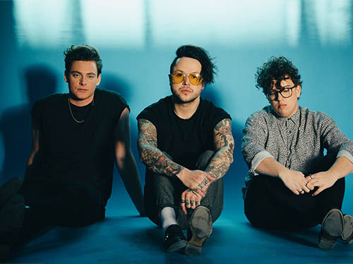 lovelytheband-lastral-montreal-2018-08-16-tickets-2190